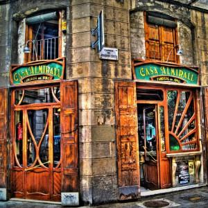 Casa Almirall: el bar modernista del Raval