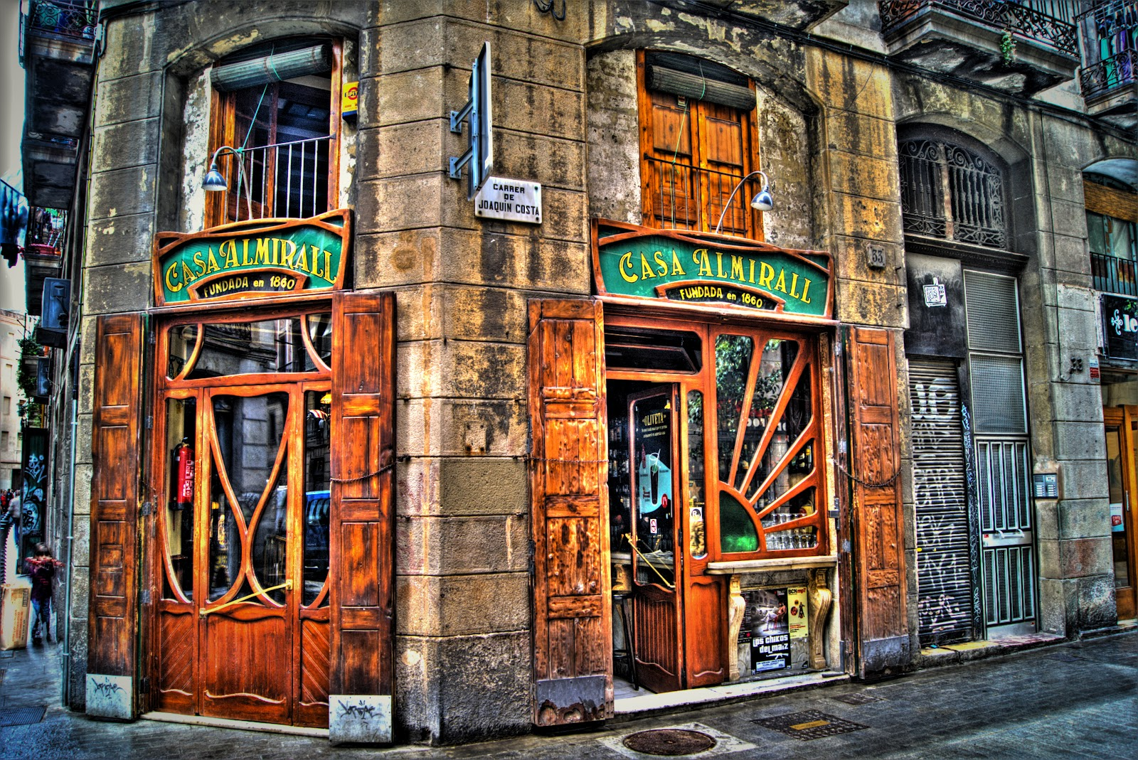 Casa almirall el bar modernista del raval in and out - Casas modernistas barcelona ...