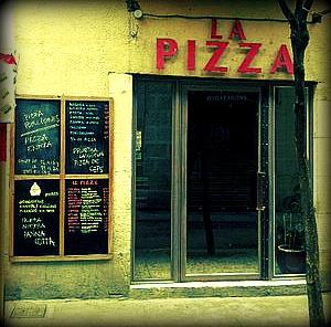 La Pizza: llevándote una porción de Italia a casa