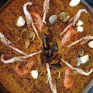 Xiringuito Escribà: el placer de la paella delante del mar