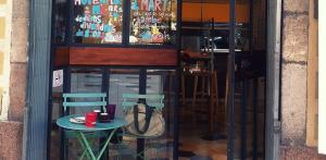 Entrada a Café Martí