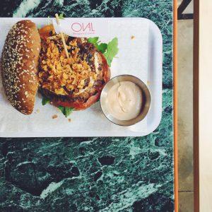 Oval: las hamburguesas a tu gusto en el Eixample