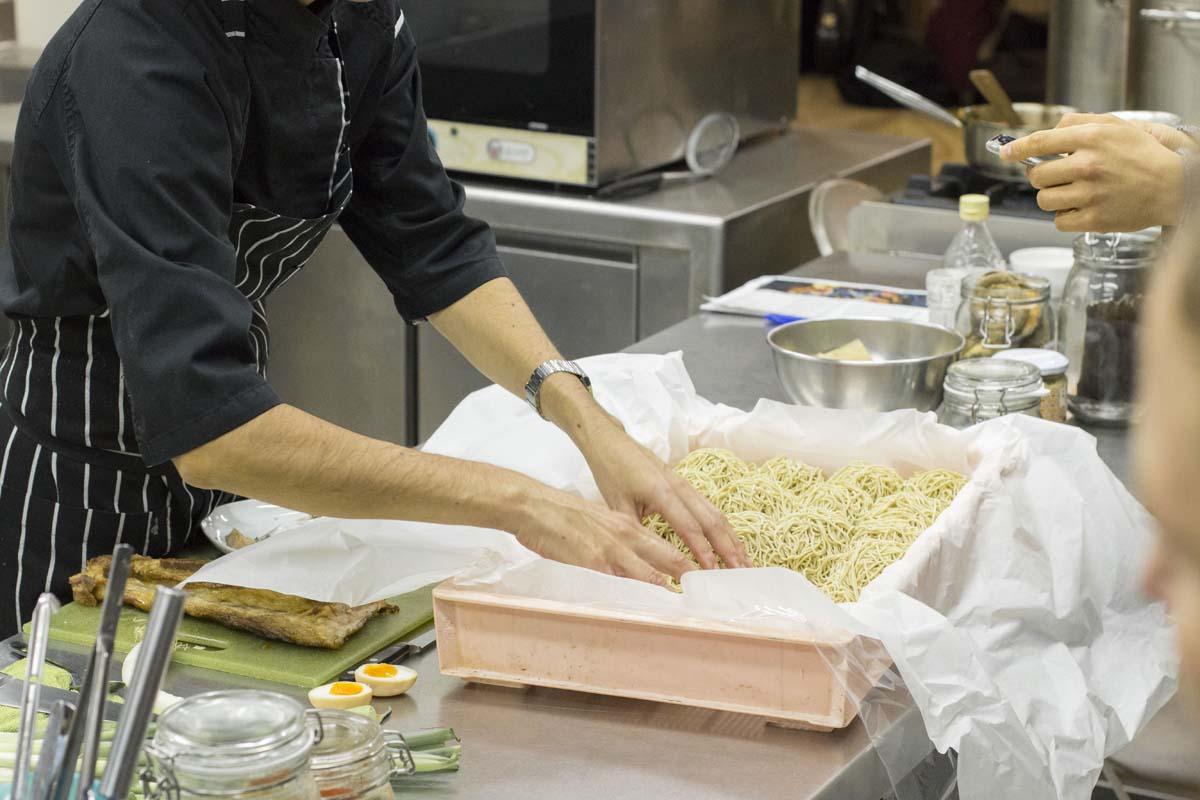 W kitchen escuela de cocina asi tica in and out barcelona - Escuela cocina barcelona ...